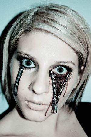 Zipper eye #1
