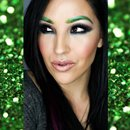 St. Patrick's Day Glitter Glam // IG @MUARTISTLAURENNICOLE