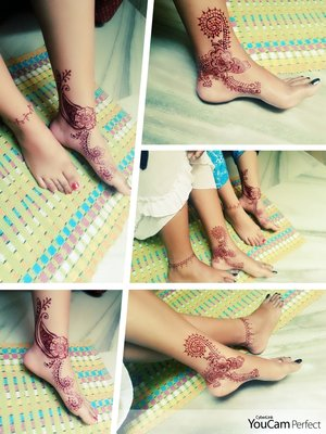 Henna design done on my and my sis' s feet....Took about 1 hour to complete, hope it turned out good:).