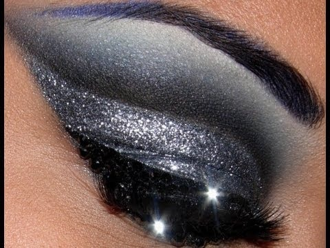 Black eyes makeup