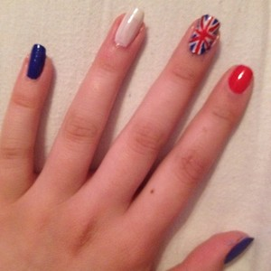 First attempt at doing the Union Jack so bare with me. I done this design for the Jubilee weekend as it seemed pretty relevant.