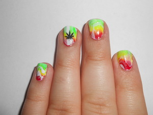 I am very proud of these nails :) The colors of the L.A. Colors 'color craze' are Mint and Flicker.