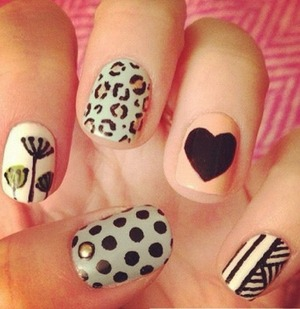 Cute nails to wear on summer! They are pretty and they are not so childish! Enjoy!! :)