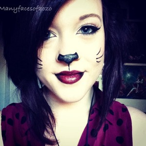 This is my favourite Halloween makeup to do all the time to the point a might wear it everyday... I'm not kidding :3