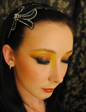 A look incorporating Yellow Pigment from Inglot