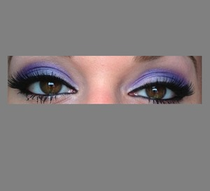 same look just finished with eyelashes and eyeliner sorry for my eyes to be droopy