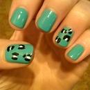 leopard ; nail polish changes color