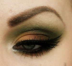 "Same as the part 1 but I made it more like a *night out on the town* kind of look with sleek palette ""curacao"""