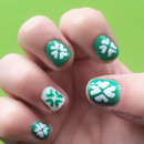 NAV   St Patrick's Day Shamrock Nail Art