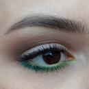 Hint of greens