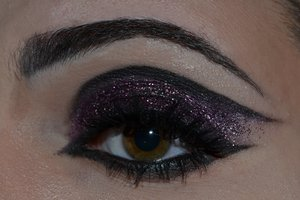 Makeup inspired by the film Burlesque.