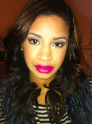 Simple eye look with a bold lip