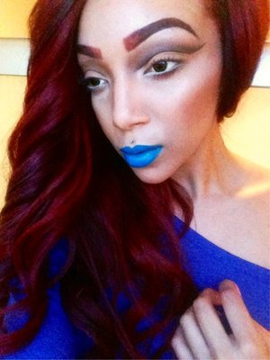 I was an alien in my last life 😈 lips glazed with sashe cosmetics dare to be patriotic 💙💄💋