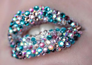 Stuck some cheap rhinestones on my friends lips a week or so ago ☺️