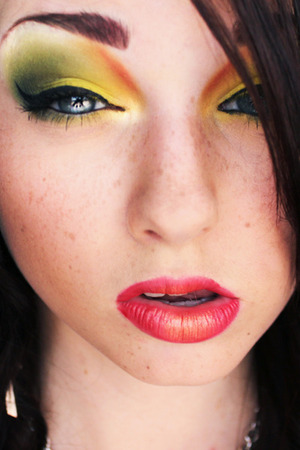 Pigments & Palettes Monthly Challenge - September