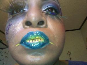 Green & Yellow Lips