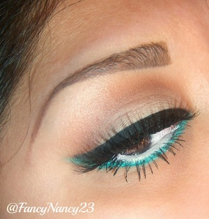 Subtle soft brown eye shadow with a touch of color. Using Pretty Zombie Cosmetics loose eye shadow in Potion #5 for lower lash line and paired with my favorite mink lashes by Velour Lashes in Lash in the City.