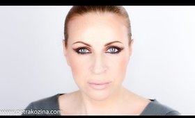 Natural Brown Cat Eye Makeup