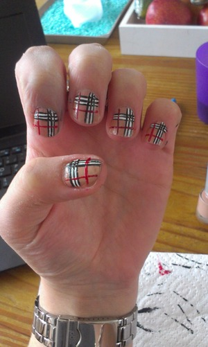 just try some new nail art what do you think about it?