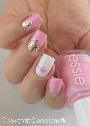 http://stampoholicsdiaries.com/2014/12/22/i-wanna-wish-you-a-merry-christmas-featuring-essie-and-pueen-26/