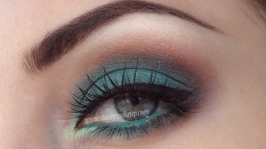 Green and brown smokey eyes tutorial: http://youtu.be/mcZBeUGrmBE  Full list of products here: http://www.staceymakeup.com/2013/03/green-and-brown-smokey-eyes.html