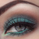 Green brown smokey eyes