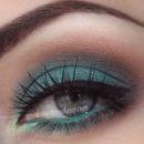 Green brown smokey eyes