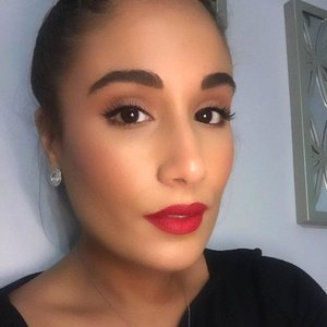 "I love to use natural everyday makeup looks with bold lips. This lip color is Huda Beauty Liquid Lipstick in ""Heartbreaker"". Great for summer time!