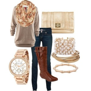Cute everyday look accesoryed out
