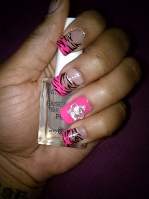 Pink Tips Animal Strip With Crow Accent Nail
