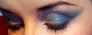 Created using NYX 112 palette for a more daring look.