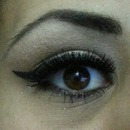 Cat eye- Black winged eyeliner