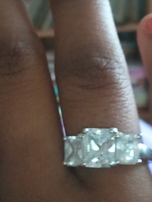 this is a fake ring but still pretty! :) ?