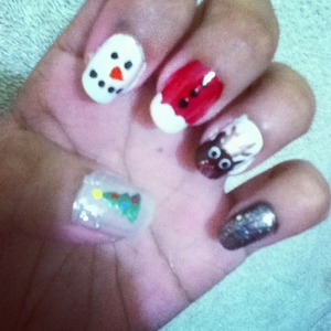 Easy holiday inspired nails! :)