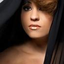 Model: Maya Oren