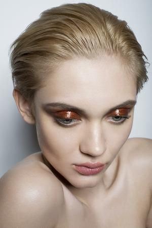 Spindle Mag - How to Get the Look : http://spindlemagazine.com/2014/04/rich-bronze/