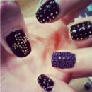 Caviaar nails