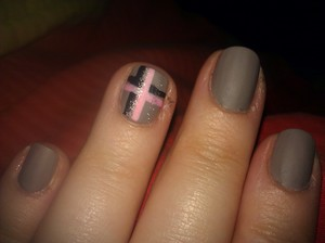 Matte Tartan Nails Essie Chinchilly Pink, Black, and Silver Sparkle by L.A. Colors Nails Art Deco Matte Top Coat by Hard Candy