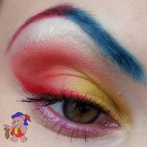 Inspired by Cubbi Gummi bear Used products: GOSH Eyeshadow Base GOSH Trio Eye Shadow, TR20 Tropic Fever (yellow and blue) GOSH Trio Eye Shadow, TR23 Pink Sunset (red) Cosmetica Fanatica Eyeshadow Pencil (under the eyebrow) Essence Lipliner, 10 Femme Fatale (upper eye liner) Gabriella Salvete Automatic Eyeliner, 24 (upper eye liner) Peggy Sage Crayon Yeux, Rose Metal (lower eye liner) Gabriella Salvete Diamante Volume & Lenght Mascara