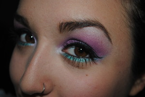I love a pop of teal under ANY lid eyecolor! It brightens up my look!