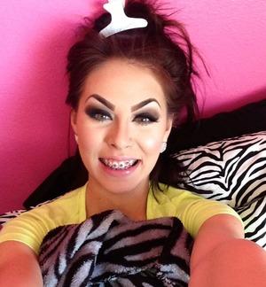 Just got braces, feelin' like Ugly Betty..still fabulous ;)