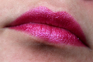 http://www.cosmeticsaficionado.com/2012/01/review-milani-lip-flash-pencil-in.html