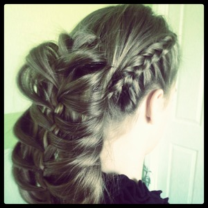 I decided to mix the two: side Dutch braid with the cage braid. Looks awesome!