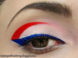 More pictures here: http://trustmyself-make-up.blogspot.com/2012/06/vive-la-france.html
