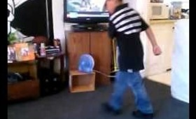 My lil cousin dancing to J.Cole Power Trip