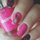 Peacock Nails in Pink and Black