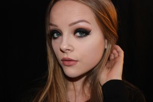 """Used Anastasia Beverly Hills """"Shadow Couture: World Traveller"""" palette!"""
