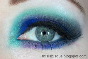 Tutorial: http://thisisbisque.blogspot.ca/2012/03/sea-crystals-makeup-tutorial.html