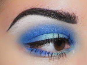 Sugarpill Heartbreaker Pallet  Eyeshadows in Velocity, Mochi Bulletproof in brows Tako on highlight