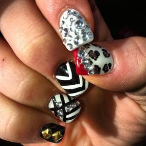 My fall fashion trendy nails ❤️💅 follow my Instagram page !!   @ashley_brooke_beauty #fallfashion#nails#nailart#nailbling#studdednails#blingnails#sparklenails#cheetahnails#strippednails#patternnails#fallnails#crazynailart#designernails#glitternails#nailart#hipnails#nailtrends